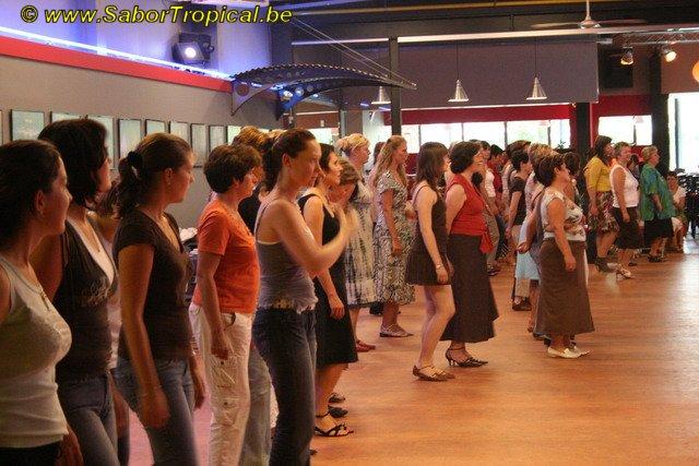Salsa danslessen gevorderden te Aalst Move Dancecenter door  Sabor Tropical